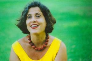 מירי ליטווק - סופרת, מתרגמת, מחברת ספרי ביוגרפיות וסיפורי חיים